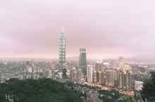 华灯初上的台北