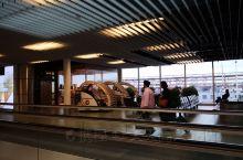 清晨的阿姆斯特丹机场