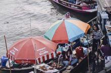 曼谷必去水上市场 | 丹嫩沙多水上市场  亮点:拥有百年历史的传统水上市场,适合清晨和上午逛。 亮点