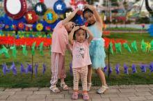 苏林湾水上乐园是兴宁目前最大的水上乐园世界,真的是世界前沿的设计,太好玩了,小孩好开心!