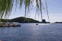 波光粼粼的雁栖湖