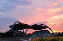 最浪漫的事——黄昏时候到兴城比基尼广场看海