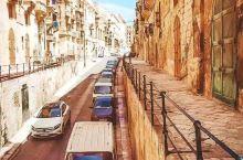 马耳他分享第二波~ 蓝海: 这是马耳他最负盛名的三篮之一,位于多米诺岛上,蓝波荡漾,清澈透亮,无一丝