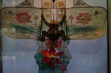 杨家埠旅游开发区 园内以年画、风筝 为主导,民风民俗为主题,让游客在体验风筝扎制、年画印刷等乐趣,同