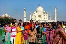 泰姬陵和阿格拉城堡是印度北方邦首府阿格拉最主要的两个景点 都是世界遗产级别的建筑 莫卧尔时期的印度建