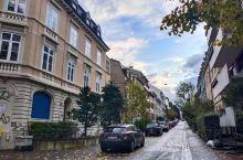 巴塞尔这个小城,有一些特色的博物馆,像玩具博物馆和历史博物馆等等。各色物品都很有生活情趣和艺术气息。