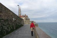 皮兰(Piran)是斯洛文尼亚海岸的美丽旅游胜地,皮兰在13-18世纪间,处于威尼斯共和国的统治,在