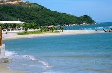 阳江沙扒湾,是阳西县旅游胜地之一。经15公里县道与325国道相接,距阳西县城38公里。 沙扒湾依山傍