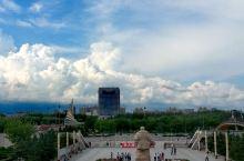 """到大庆,一定要去看铁人。 大庆铁人王进喜纪念馆是我国第一座工人纪念馆,以""""爱国、创业、求实、奉献——"""