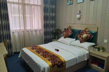 酒店环境很棒,服务态度特别好,真心推荐,可以放心入住,干净卫生经济实惠。