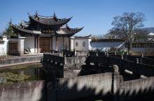 一个有文化底蕴的自然村_下绮罗村。 下绮罗村在云南省保山市腾冲市。但去腾冲的游人大多是奔着和顺古镇的