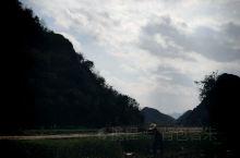 普者黑景区,其位于云南省文山壮族苗族自治州丘北县境内,距县城13公里,是国家级风景名胜区、国家AAA