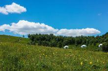 云中草原-怀来黄龙山庄旅游区。 坐落于巍巍的燕山山脉。这里山势奇伟,连绵起伏。 此地是北方原始的林区