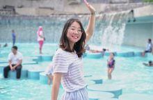 中转吉隆坡呆了一天,想去看看双子塔,就来到了中央公园,没想到这被这看看的浅水池深深迷住了(坏笑小蜂)