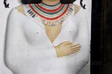 法老们的博物馆~埃及国家博物馆  现在的埃及国家博物馆位于开罗的解放广场,是一座19世纪中叶的建筑,