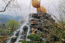椿树沟,一个只有54口人的小山村,却是《舌尖上的中国》第2季沂蒙煎饼的拍摄地,村庄一度成了热门旅游地
