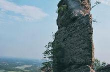 岱鳌山美景——这是我的朋友一位摄影师拍的岱鳌山。 岱鳌山坐落在庐江、桐城、枞阳三县交接处,山清水秀,