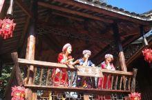 藏在百里瑶山中,离广州约需3个小时,符合周未和自驾游;其实,千年瑶寨只为对传统文化、民族文化有兴趣的