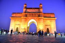 2020年春节在印度,意外地避开国内的疫情。在北印浪荡累了,来到孟买休整。为了体验孟买生活,选了家北