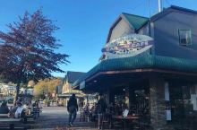 瓦纳卡小镇有很多特色咖啡馆,小店,就在瓦纳卡湖畔,惬意舒适,一步一景,被称为新西兰南岛的天堂度假小镇