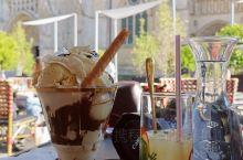 法国波尔多市老街海鲜美食,街道到处体现出历史的沉淀,优雅的各类餐厅充满着文化艺术的气息,走走停停吃吃