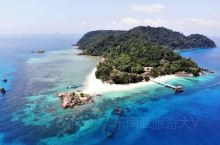 去过不止一次的地方,我有很多。但是固定每年两次重复去的,就是这个地方-马来西亚的东海岸 : 登嘉楼。