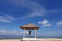 Pandanon岛介于宿务—薄荷之间,梭型小岛,两边有长长的拖尾沙,居民,游客各占一边。 从麦克坦岛