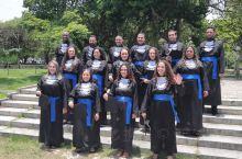 南美第60天  里约热内卢大学生毕业合影。