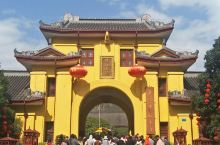 桂林市区旅游。。。桂林市区,不仅仅有象山公园,还有靖江王府(也称独秀公园),双塔公园,訾洲公园(象山