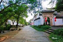 在衢州的东部,有一座名为龙游的小县城,凤舞九天龙游于野,这是一个美丽而奇幻的名字,这是一片古老而梦幻