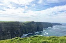 """刷爆朋友圈的""""天涯海角"""",墙裂推荐!   莫赫悬崖 坐落在爱尔兰岛的边缘,是欧洲迄今为止海拔最高的悬"""
