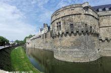 城堡保留的很完整,历史久远,沧海桑田!