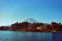 据说能在晴天看到富士山的全貌就算是不枉来日本一次了。河口湖可能是拍摄富士山最好的地方,可能很好的欣赏