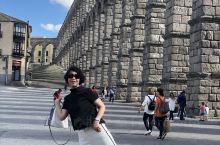 西班牙塞哥维亚,世界文化遗产 这里古罗马大渡槽,是伊比利亚半岛历史最悠久的古罗马遗产,分为上下两层,