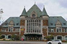 魁北克中央站建筑古老而又沧桑,只是车站内人流并不拥挤,和国内车站熙熙攘攘的人流实在没有可比性。