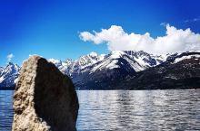 纯天然湖泊  【纯天然湖泊】   随着网红时代的到来,似乎给人的印象是假的东西太多了。无论是景,还是