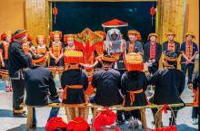 """金秀瑶族自治县奋战尤绵度假村一一非物质文化遗产""""嫁郎""""表演,该村集民俗、民宿、餐饮于一体。距县城3公"""