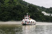 南怡岛共和国,乘渡轮到岛上,上岛后有环岛电瓶车,可惜司机只会用韩语讲解