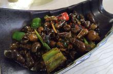 """在""""毅华轩""""中餐厅吃的晚餐,出品不错,价格实惠。"""