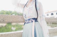 和同袍一起来宣传汉服文化的,又重新温习的下各朝代的汉礼里面怎么说呢,还是挺可以的吧,天气太热没怎么逛