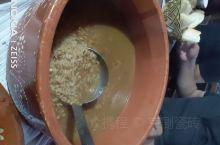 乡村里面的美食 火鸡汤做米饭