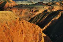 原计划去独库公路入口处的独山子大峡谷和安集海大峡谷,即闻名的黑、红大峡谷。但据当地司机说四月有个抖音