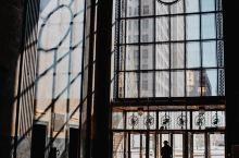 底特律耀眼的辉煌建筑渔人大厦  有一些宏伟的建筑为什么能够被称为地标性的建筑,不仅仅是因为他们足够的