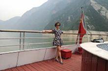 端午节从重庆坐邮轮游长江三峡(老爸老妈一直想看三峡风光),到宜昌下船。非常适合一家老小出行,船上空调