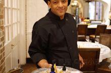 来新奥尔良不容错过的餐厅Tableau。这家餐厅位于新奥尔良法国区杰克逊广场,与历史悠久的Le Pe