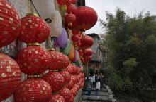 来到黄姚没有像以往急促的安顿住宿,古镇没有浓郁的商业气氛没有人为的景点装饰一切显的古朴自然,让你有一