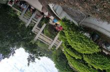 潮州韩文公祠、广济桥、广济楼 登上51阶台阶即到了韩文公之祠,预示着韩愈51岁被贬,祠建造8个月预示