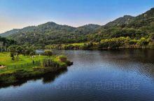 山青水美~上李水库公园 上李水库公园将植物园与梅海岭串联起来,公园内视野十分开阔,一眼望去,能看到大