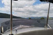 7月2日 湖区温德米尔湖 租个船爽一下 偶遇大白天鹅 哈哈
