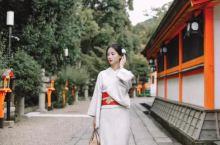 八坂神社 到了京都,必打卡景点,这里穿 樱花和服 拍照超美,各种元素都有,  八坂神社的红色神社大门
